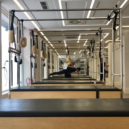 Pilates leon pilates aereo gyrotonic y gimnasia abdominal for Gimnasio victoria